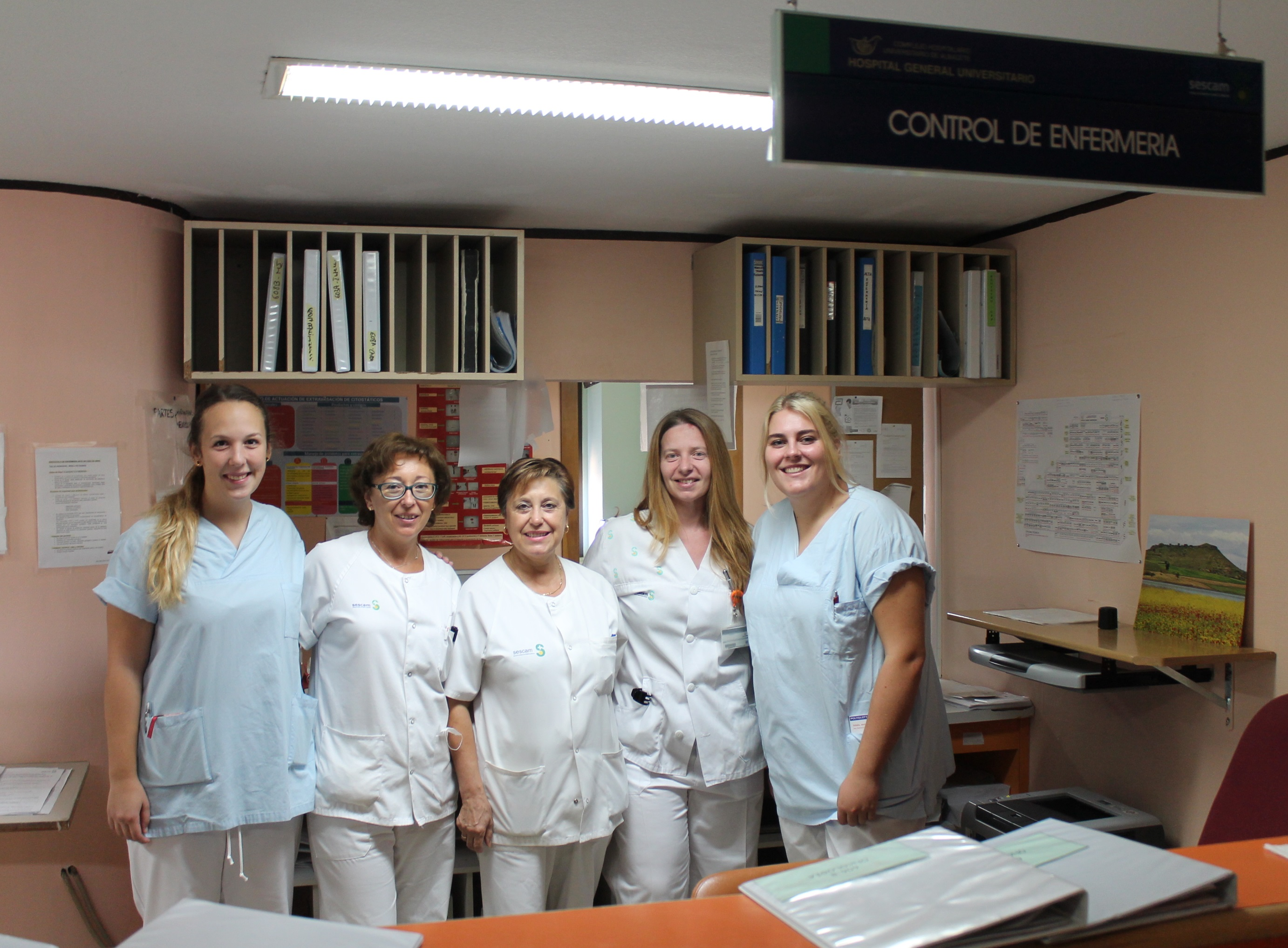 Dos estudiantes alemanas realizan prácticas en el Complejo Hospitalario Universitario de Albacete mediante el programa Erasmus+