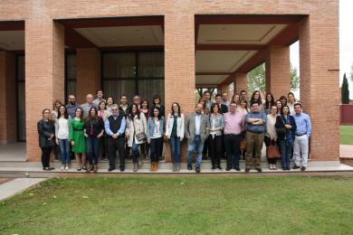 Foto de familia de los oncólogos asistentes al congreso regional en Alcázar