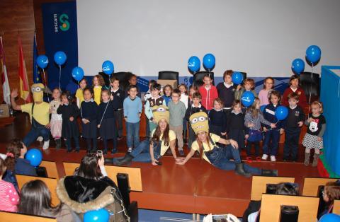 La fiesta infantil para hijos de trabajadores marca el inicio del programa de actos de Navidad en el Hospital de Talavera